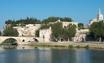 Avignon - by Mattana - Mattis (Own work) [Public domain], via Wikimedia Commons